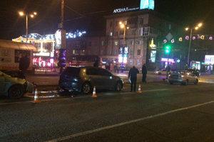 В центре Запорожья произошло тройное ДТП: опубликованы фото