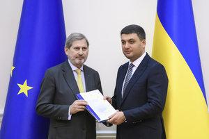 Оценка реформ в Украине: еврокомиссар Хан указал на проблемы