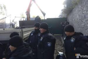 """В полиции рассказали подробности """"взрывов"""" на Андреевском спуске"""