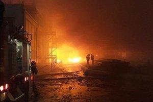 В Хмельницком спасатели вытащили из огня пятерых детей и взрослого