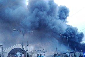 В России масштабный пожар в гипермаркете, фото и видео