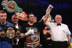Усик взлетел на третье место в рейтинге лучших боксеров мира