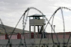 Кабмин утвердил порядок эвакуации заключенных в случае военного положения