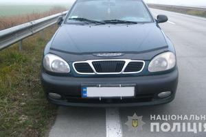 В Житомирской области двое мужчин избили таксиста и угнали его автомобиль