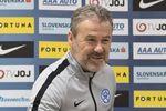 Павел Гапал с 22 октября - новый главный тренер сборной Словакии . Фото cas.sk