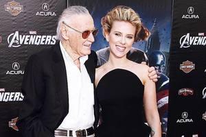 Ты был супергероем для нас всех: Голливудские звезды скорбят по Стэну Ли