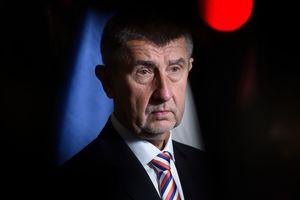 Премьер Чехии прятал сына в оккупированном Крыму из-за скандала на родине - СМИ
