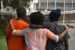 Знакомство с жертвами убийств повышает риск суицида: необычное исследование