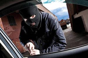 В Хмельницкой области парень угнал машину, чтобы успеть на свидание с девушкой