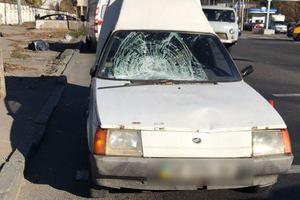 У Дніпрі легковик на смерть збив чоловіка, що перебігав дорогу в недозволеному місці