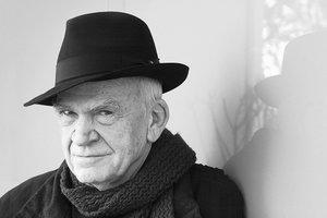 Писателю Милану Кундере вернут отобранное коммунистами гражданство