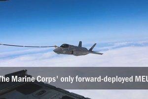 Новейшие истребители США произвели дозаправку над морем: появилось видео
