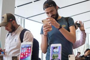 Покупку iPhone XS оплатили полтонной разменных монет: фото