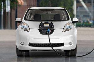 В закон про растаможку попали и электромобили