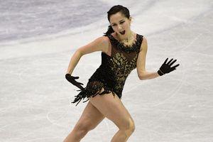 Скандальная российская фигуристка едва не потеряла нижнее белье во время выступления