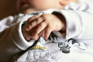 Француженка два года прятала новорожденную дочь от мужа и детей