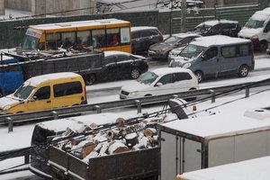 В Киеве на СТО огромные очереди: где и за сколько можно сменить резину