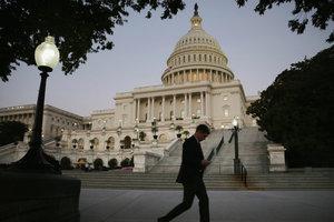 Новые санкции США против России откладываются: стала известна причина