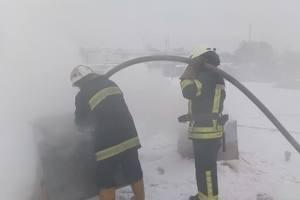Масштабный пожар на складе в Киеве тушили более пяти часов, пострадал рабочий