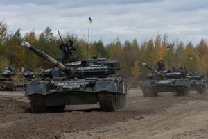 """Военным передали танки, броневики и """"Стугны"""" с """"Корсарами"""""""