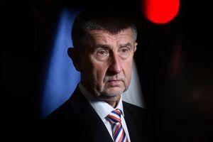 Премьера Чехии отправляют в отставку из-за визита сына в оккупированный Крым