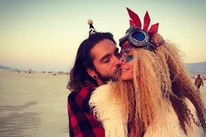Хайди Клум страстно поцеловала молодого бойфренда в танце – милое видео