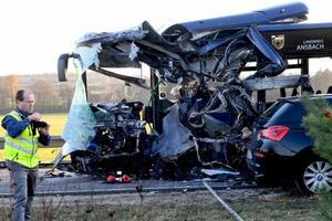 В Германии столкнулись два школьных автобуса, десятки пострадавших