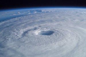 На юго-восток Индии обрушился мощный циклон: эвакуированы более 76 тысяч человек