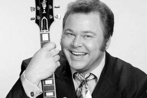 Скончался известный кантри-музыкант Рой Кларк