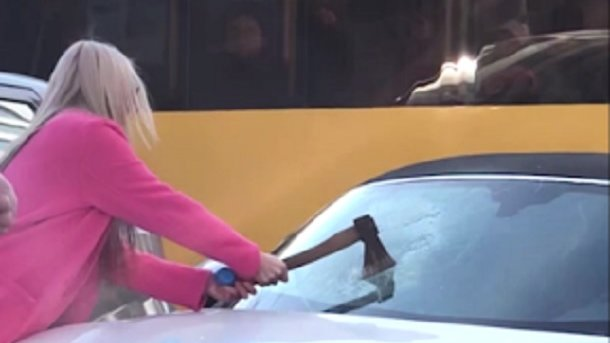 The blonde destroyed Porsche in Kiev: new details of the incident were revealed