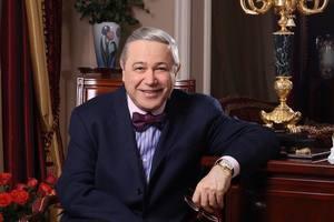 Официально холостяк: Петросян развелся со Степаненко