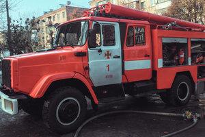 В Киеве произошел пожар в ресторане, сгорела внутренняя отделка и крыша