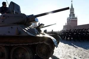 """Россия обещает дать Беларуси """"любое оружие"""""""