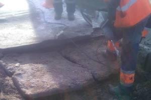 Обвал моста на Дарнице: коммунальщики показали, как проходит ремонт – фото