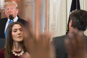 Суд предписал Белому дому восстановить пропуск журналиста CNN, который повздорил с Трампом