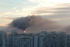 В Москве вспыхнул пожар на нефтеперерабатывающем заводе