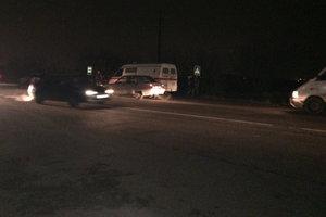 Под Одессой пешехода на неосвещенной дороге сбило сразу два авто