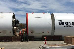 """Компания Илона Маска проложила первый тоннель """"для Hyperloop"""""""
