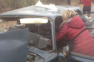 В Винницкой области легковушка врезалась в отбойник: трое погибших