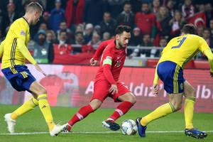 Сборная Турции потеряла троих футболистов перед матчем с Украиной