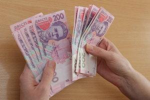 В Україні стали більше затримувати зарплати