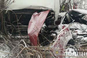 В Полтавской области столкнулись грузовик и легковушка: есть погибшие