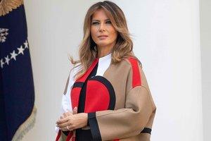 В роскошном пальто от Dior: Мелания Трамп спасала от смерти индеек
