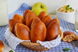 Как приготовить постные пирожки с яблоками