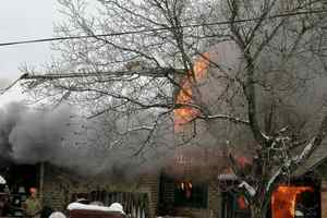 В Донецкой области пылал жилой дом: погиб мужчина