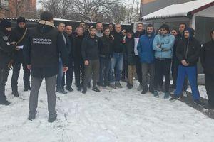 """В Полтавской области разоблачили два """"реабилитационных центра"""": людей держали за решеткой и наказывали голодом"""