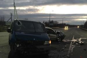 В Харькове столкнулись две легковушки: погибла женщина