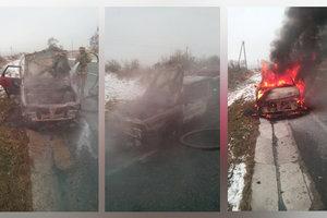 Во Львовской области на трассе пылал автомобиль
