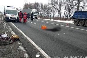 В Винницкой области легковушка насмерть сбила пенсионерку