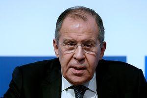 Научиться жить под санкциями: Лавров дал совет россиянам